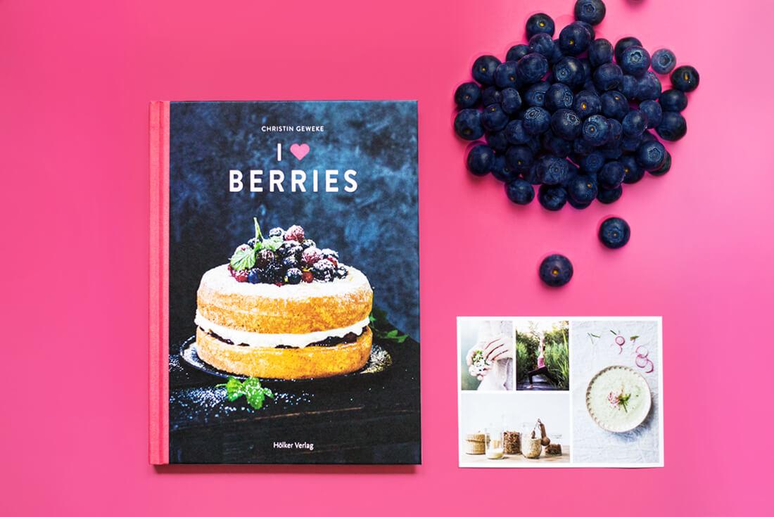 christin-geweke-i-love-berries-schonhalbelf-kritik-rezension-backen-beeren-fruechte-nachtisch-lecker-backbuch-kochbuch-coppenrath-hoelker